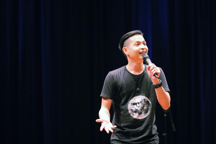 ernest-prakasa-stand-up-comedy